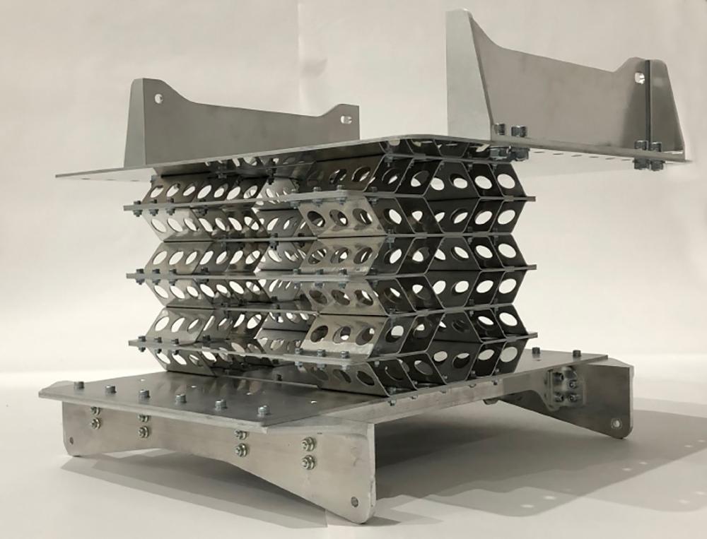 ミズノウエーブの技術を応用した緩衝装置