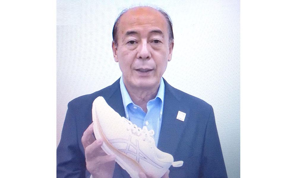 新製品の可能性に期待を寄せるアシックスの廣田社長