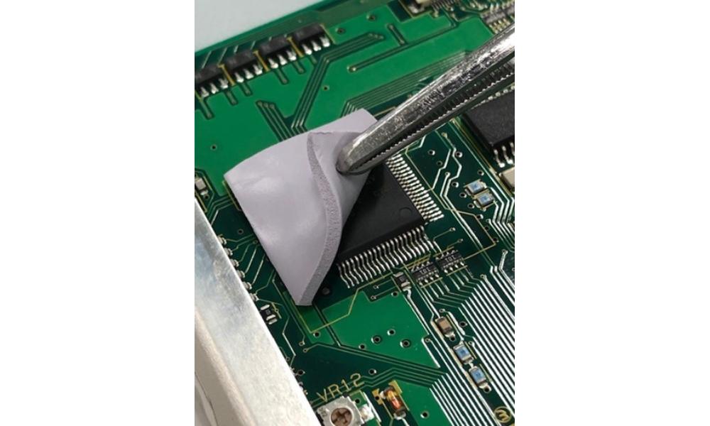 電子デバイスの放熱(TC―PEN3タイプ)
