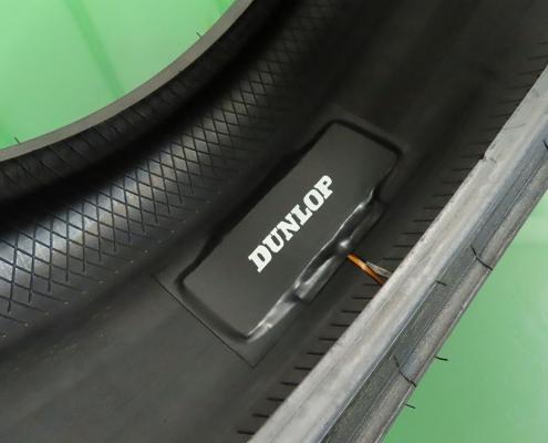 タイヤ内に取り付けられた発電デバイス